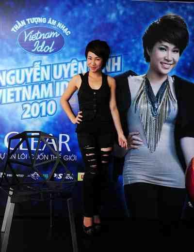 http://www.dna.com.vn/folder_news/150111-uyen-linh.jpg