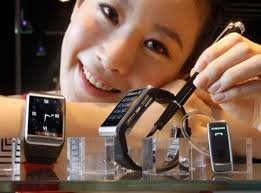 http://www.dna.com.vn/folder_news/211113 Galaxy Gear.jpg